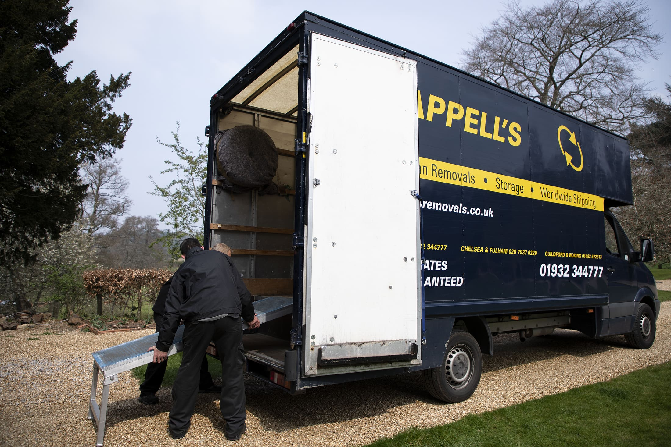 Need affordable removals for your small home or flat? Image