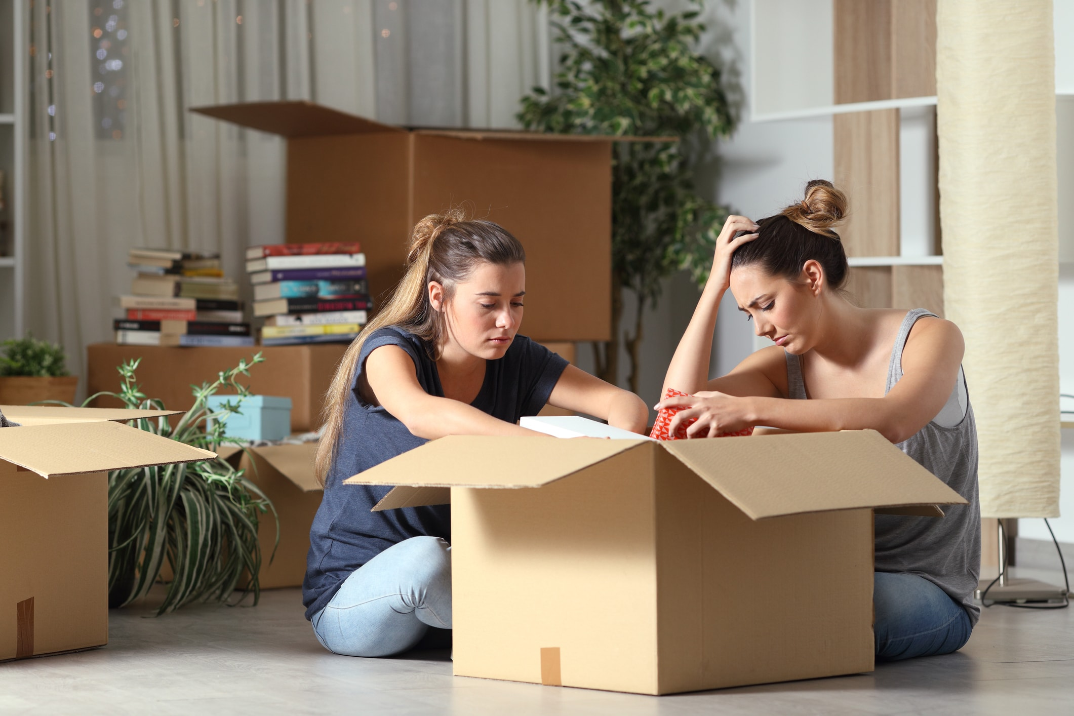 How to save money when moving house Image