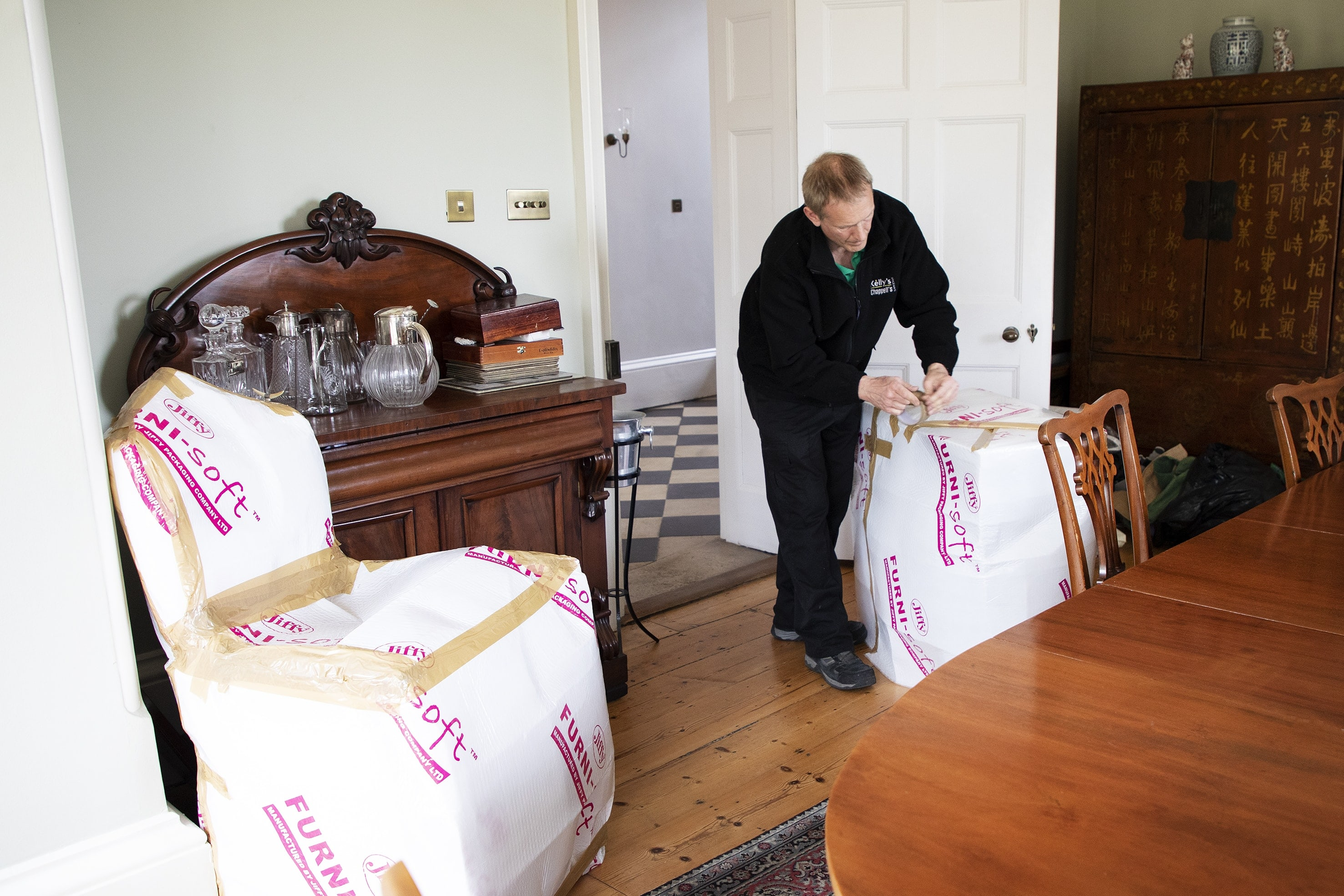 Overseas Removals Service Image
