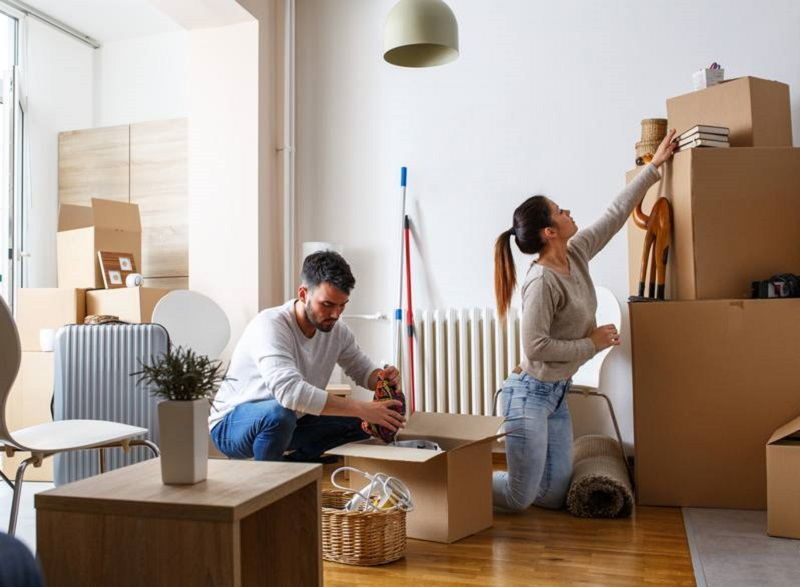 A Guide to Getting Rid of Unwanted Clutter Before a Move Image